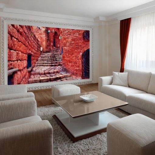 czerwona tapeta do salonu z uliczką