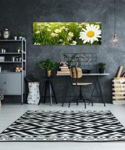 obraz do pokoju kwiaty na polanie
