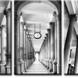 obraz z korytarzem