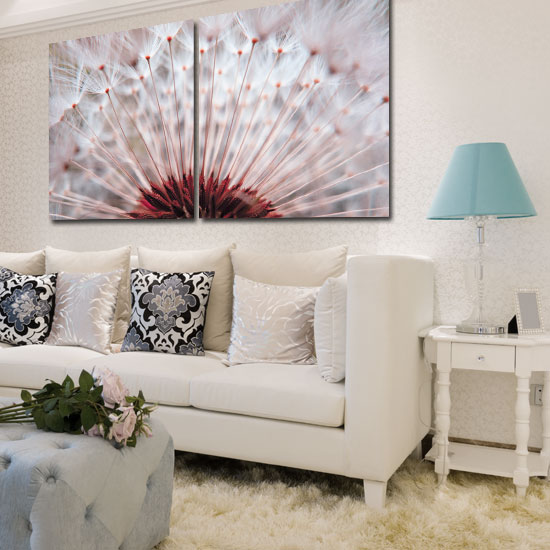 Tanie urządzanie mieszkania za pomocą obrazu albo plakatu, to dobry pomysł na przełamanie monotonii mieszkania